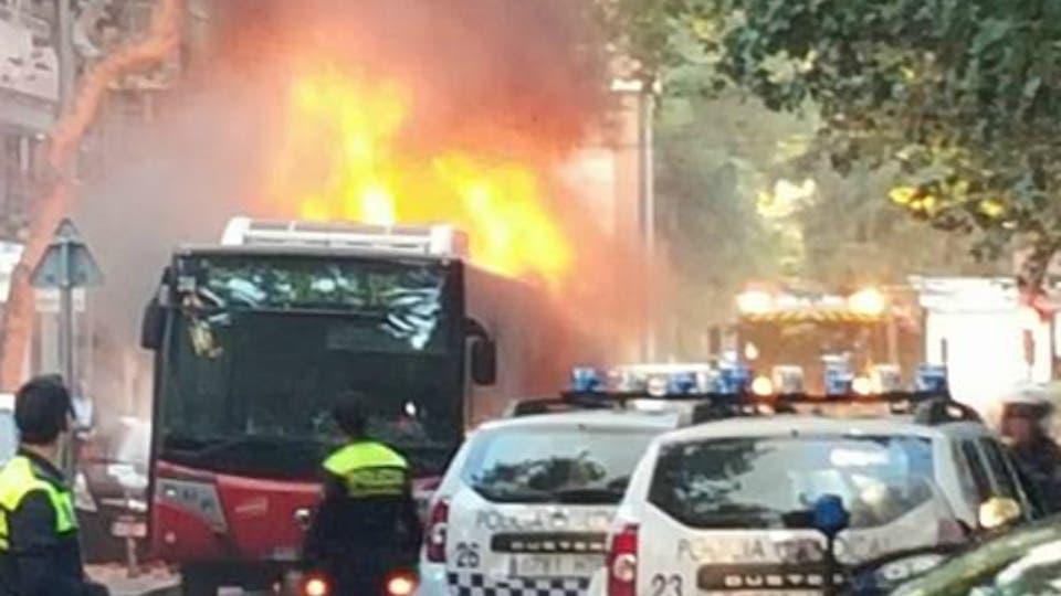Se incendia un autob s urbano en alcal sin provocar for Autobuses alcala de henares