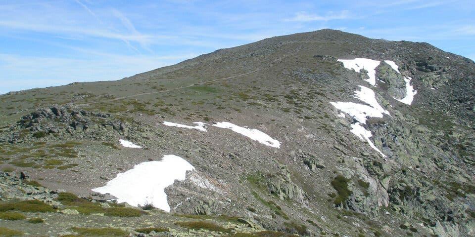 Rescatan a dos hombres de Torrejón en una montaña de Segovia