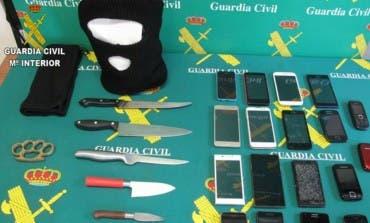 Robaban móviles a menores en Guadalajara y Meco