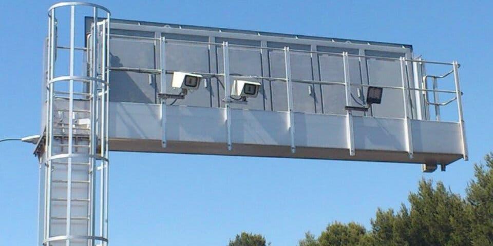 La A2 estrena cámaras para vigilar el uso del cinturón
