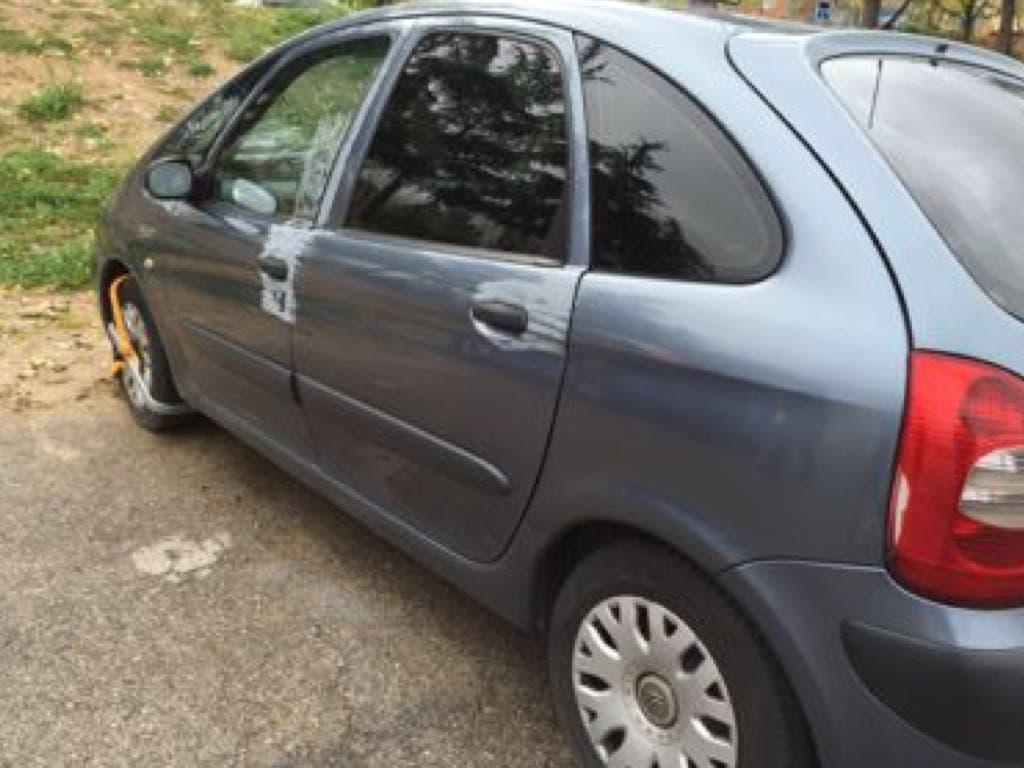La Policía de Velilla recupera un coche que unos ladrones utilizaron para su huida