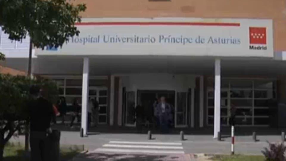 Protestan por los despidos en el Hospital de Alcalá