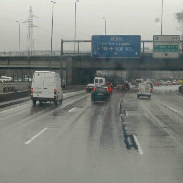 Ojo con el tráfico este lunes en Madrid ante la previsión de lluvias