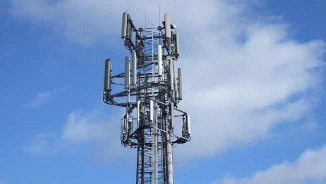 Orange retirará dos antenas de telefonía en Torrejón ante las quejas de los vecinos
