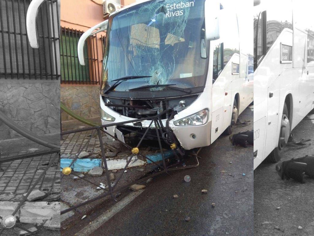 Se estrella un autobús escolar en Los Santos de la Humosa cuando se dirigía a un instituto de Alcalá
