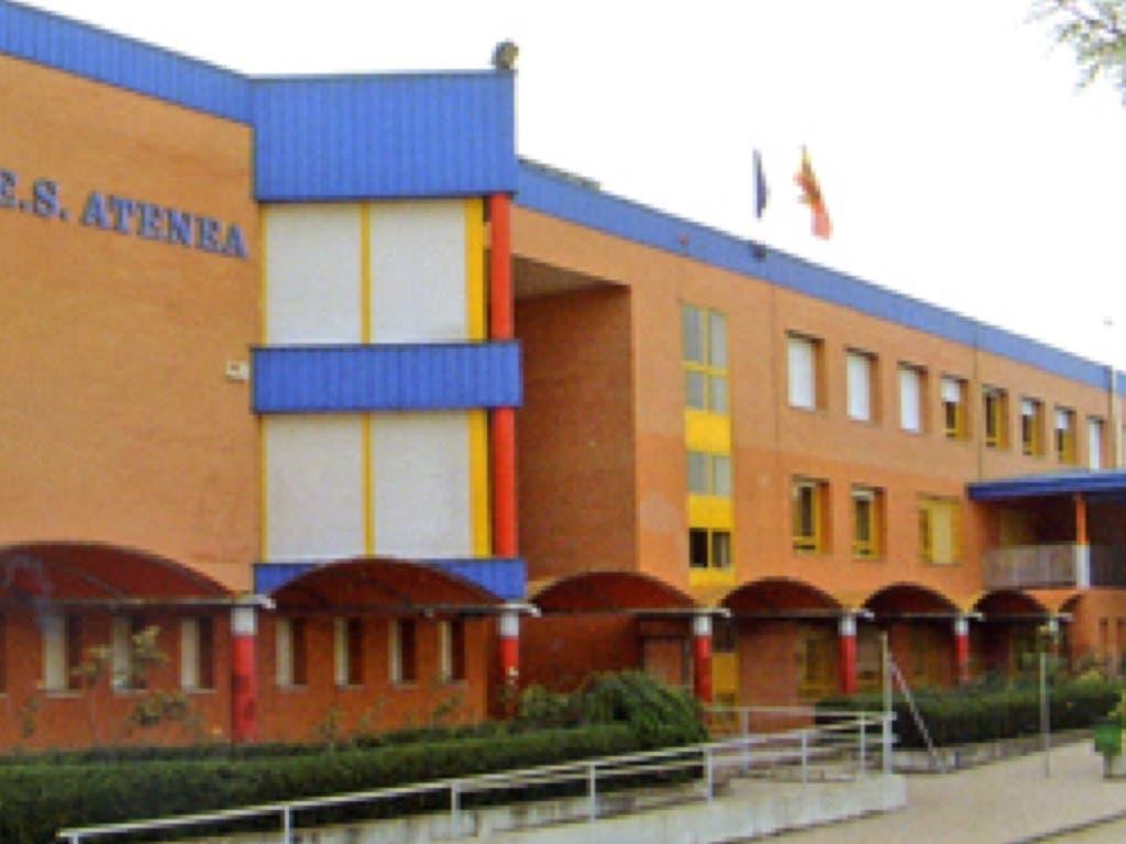 200 alumnos de un instituto de Alcalá reciben formación para prevenir la homofobia en las aulas