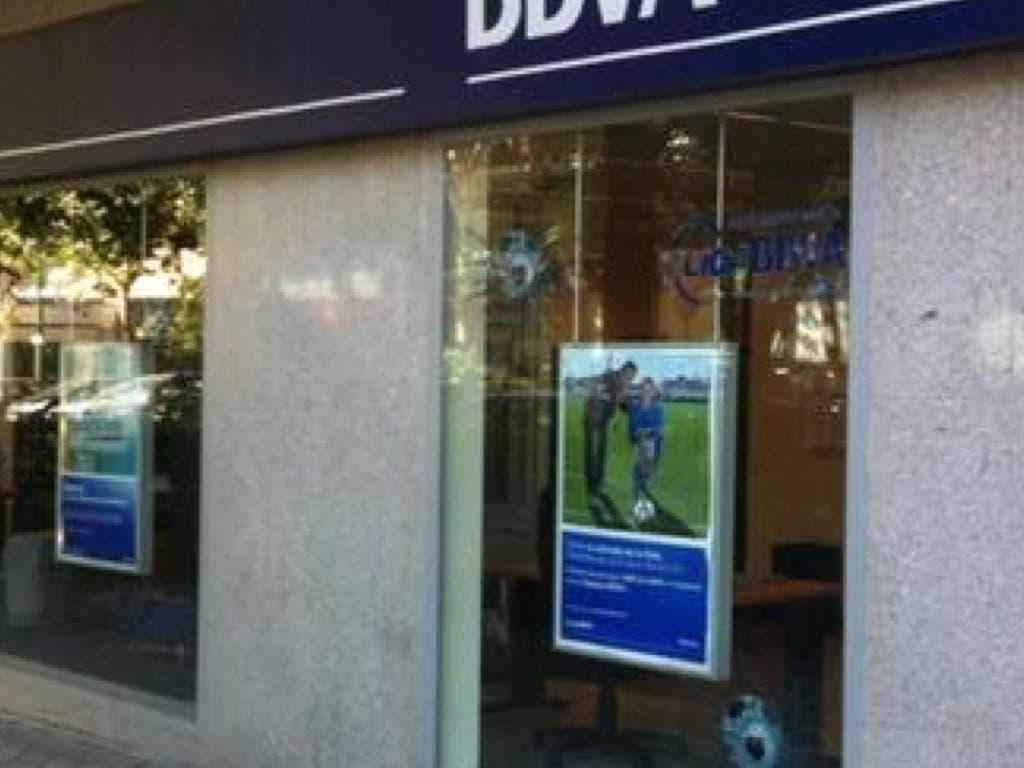 Detenidos en Madrid por asaltar a clientes a la salida del banco mediante «la siembra» y «la mancha»