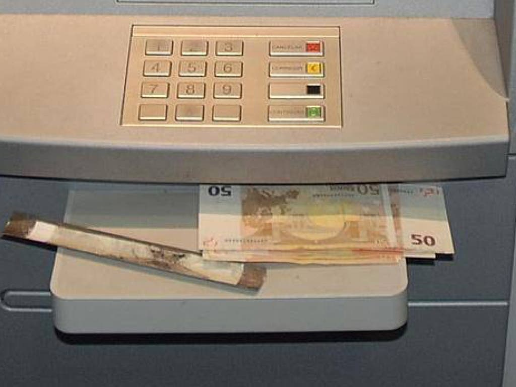 La Policía alerta: Ojo con el lazo libanés al sacar dinero en los cajeros…
