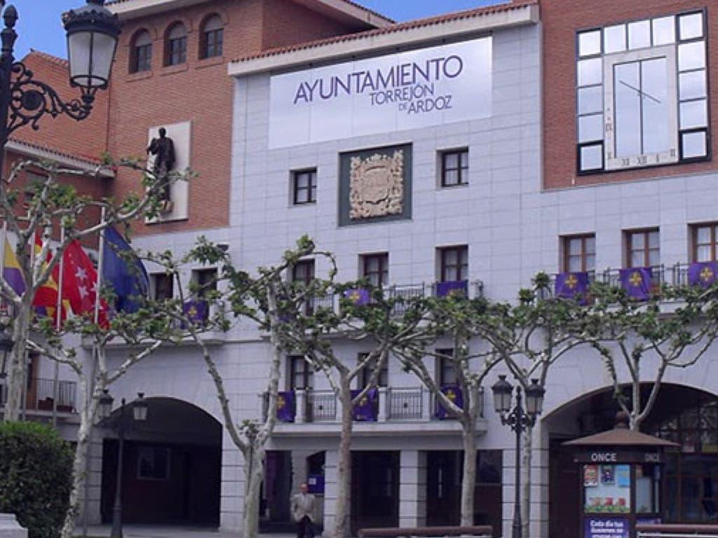 Torrejón denunciará la reclamación de la deuda que le pide la Consejería que dirige Pedro Rollán