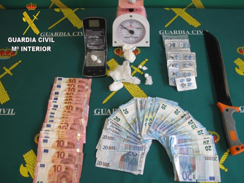 Detenidos los dueños de un bar de copas de Marchamalo (Guadalajara) por traficar con cocaína