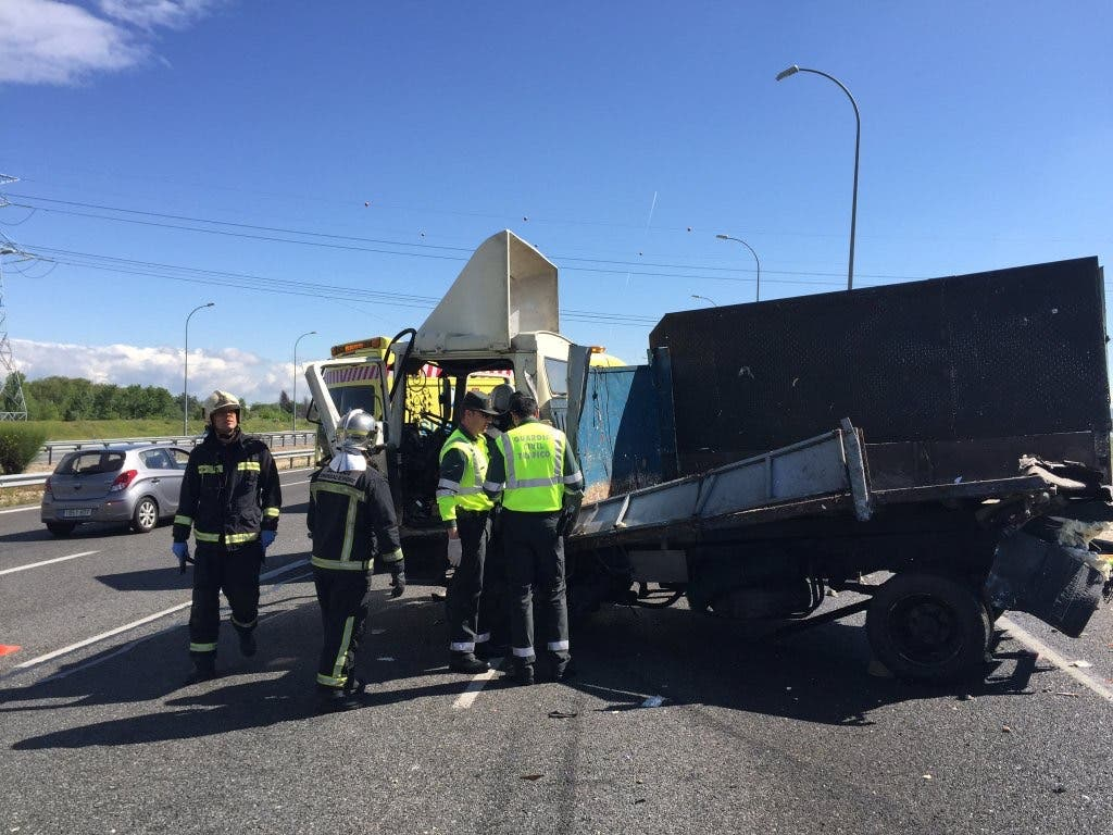 Dos personas mueren arrolladas por un camión en San Fernando de Henares