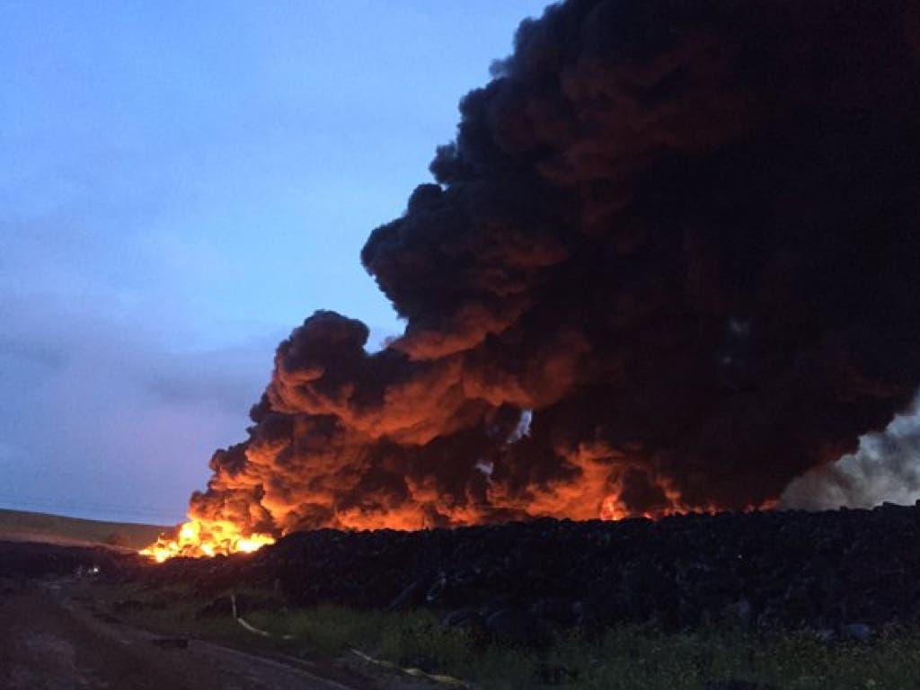 Tremendo incendio esta pasada noche en Valdemoro visible desde la A-4 y la R-4