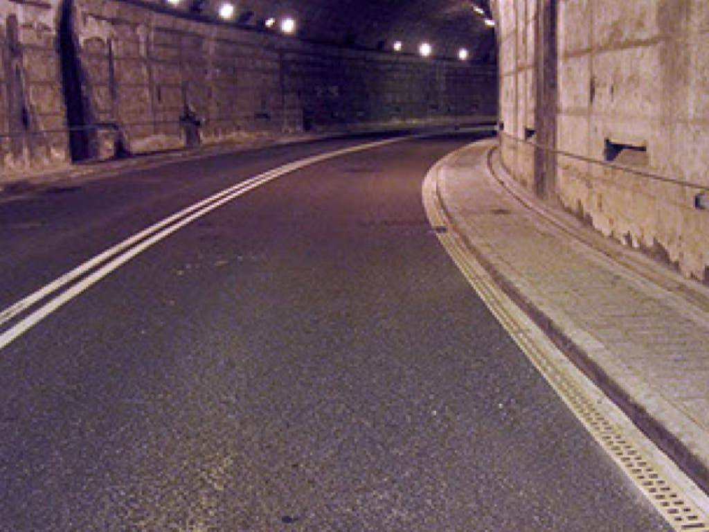 La mujer que chocó contra el túnel de Entrepeñas, Guadalajara, multiplicaba por 6 la tasa de alcohol permitida