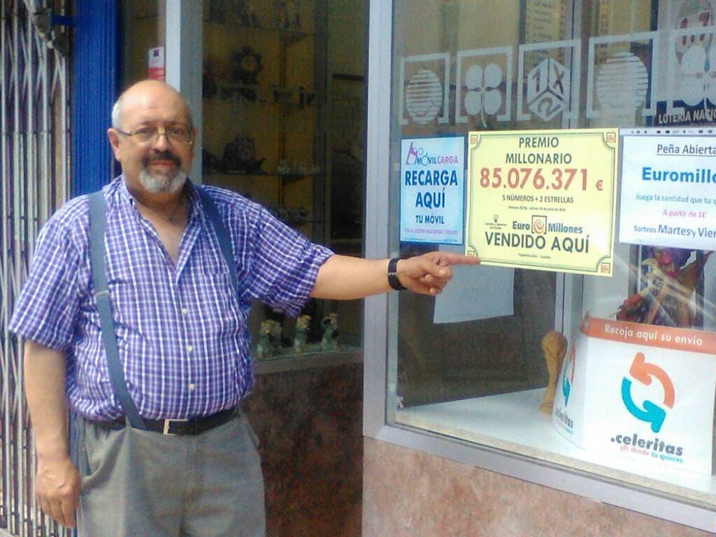 Ángel, el lotero de Coslada que ha hecho multimillonario a uno de sus clientes