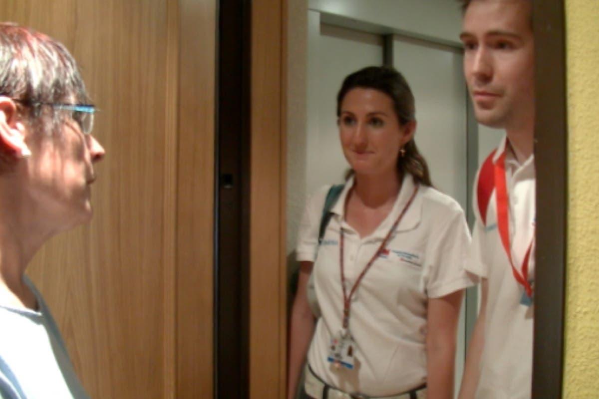 Isabel recibe atención hospitalaria en su propia casa gracias al Hospital de Torrejón