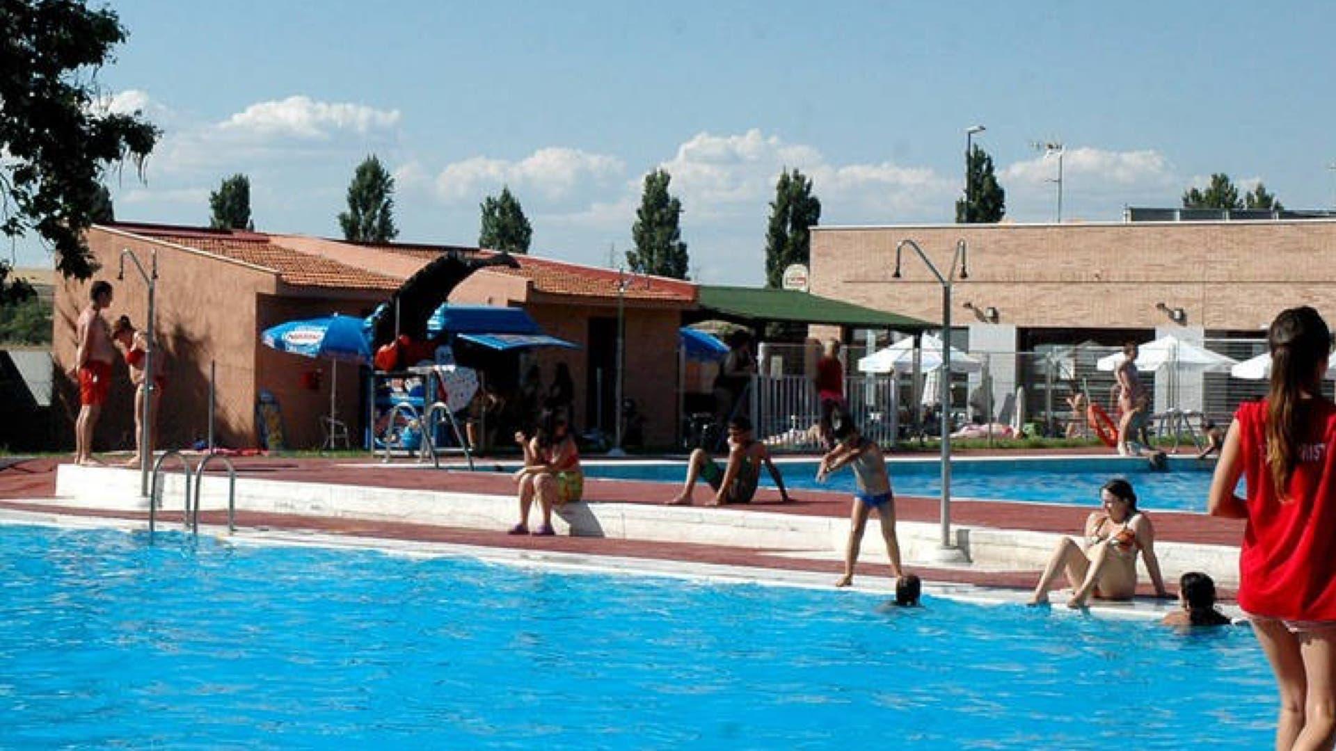 Las piscinas y los planes m s refrescantes del corredor for Alberca 8 de julio