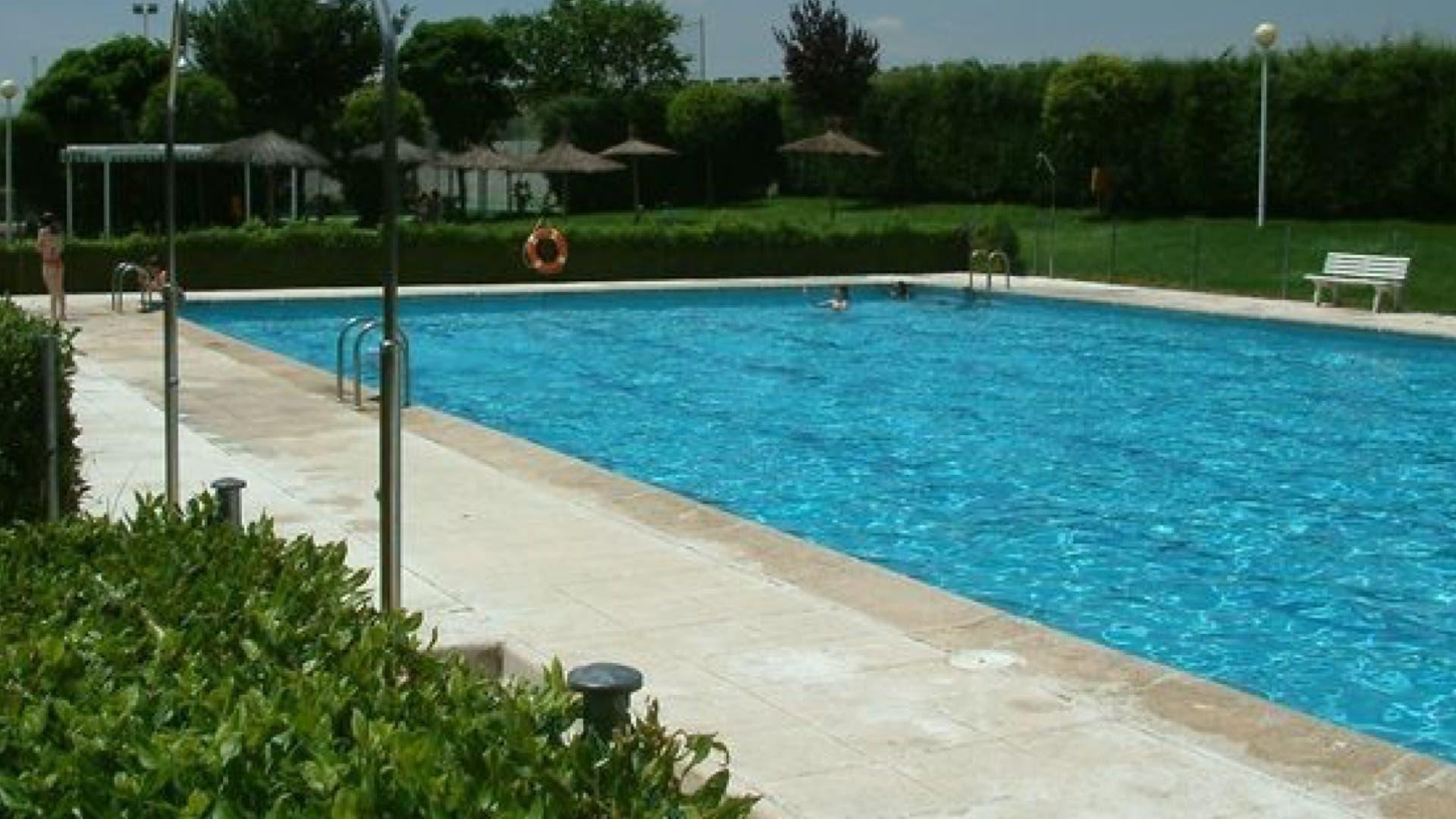 Las piscinas y los planes m s refrescantes del corredor for En la piscina