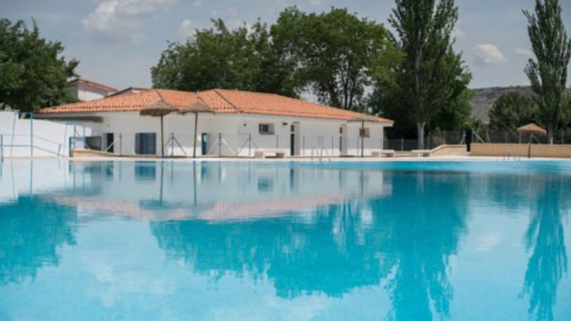Las piscinas y los planes m s refrescantes del corredor - Piscina torres de la alameda ...