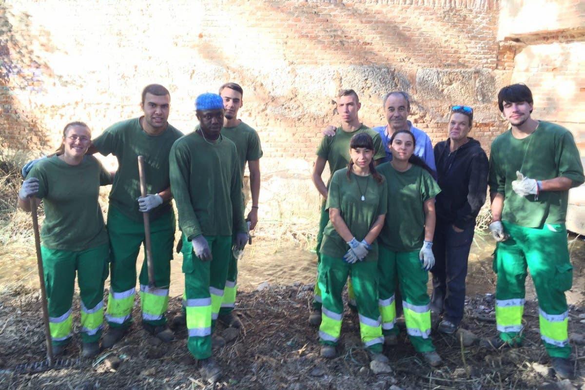 Un grupo de jóvenes descubre «por casualidad» una inscripción del siglo XVI en Alcalá