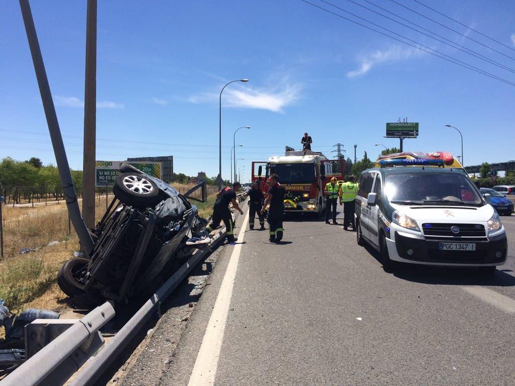 Imágenes del grave accidente de ayer en la A-42, sentido Madrid