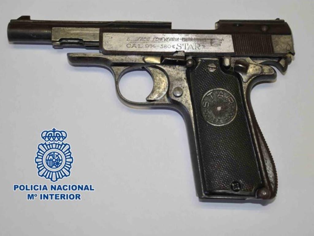 Detenido un atracador en una joyería de Madrid que amenazó con suicidarse