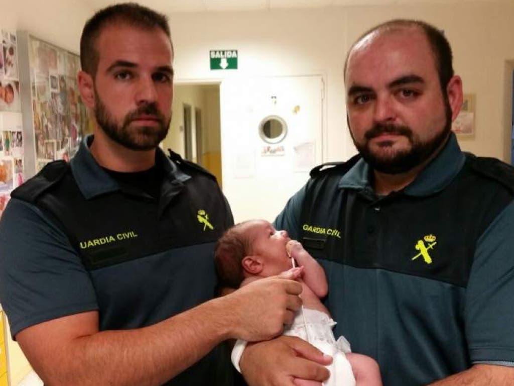 Abren juicio contra la mujer que arrojó a su bebé a la basura en Mejorada