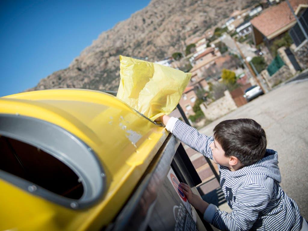 Rivas instala GPS en los camiones de la basura para saber si los vecinos reciclan