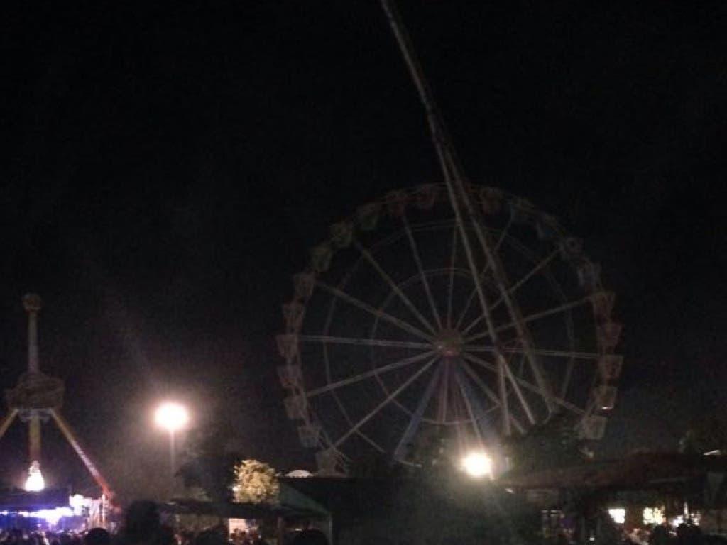 La noria apagada durante cinco minutos a las 11 de la noche del miércoles 24 de agosto en señal de protesta (MiraCorredor.tv)