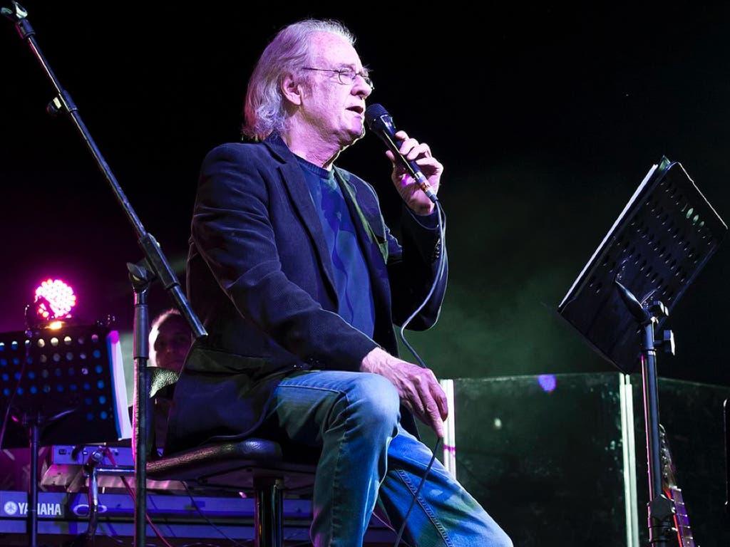 El cantautor Luis Eduardo Aute, hospitalizado en el Gregorio Marañón