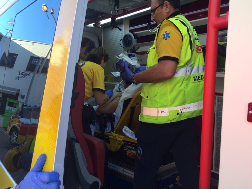 Nace un bebé prematuro dentro de un coche en una gasolinera de Madrid