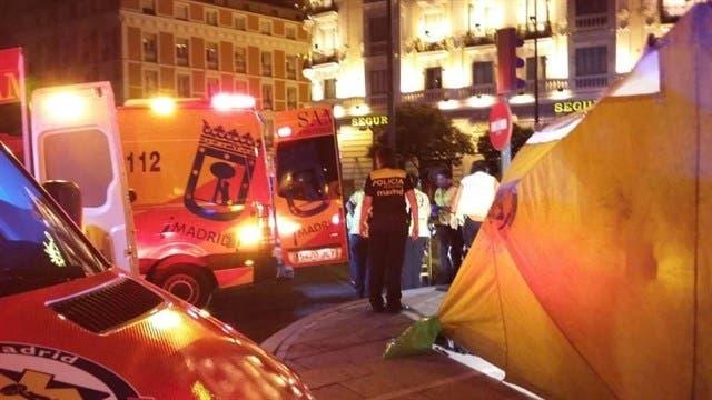 Heridos graves al chocar su moto contra una fuente en Madrid