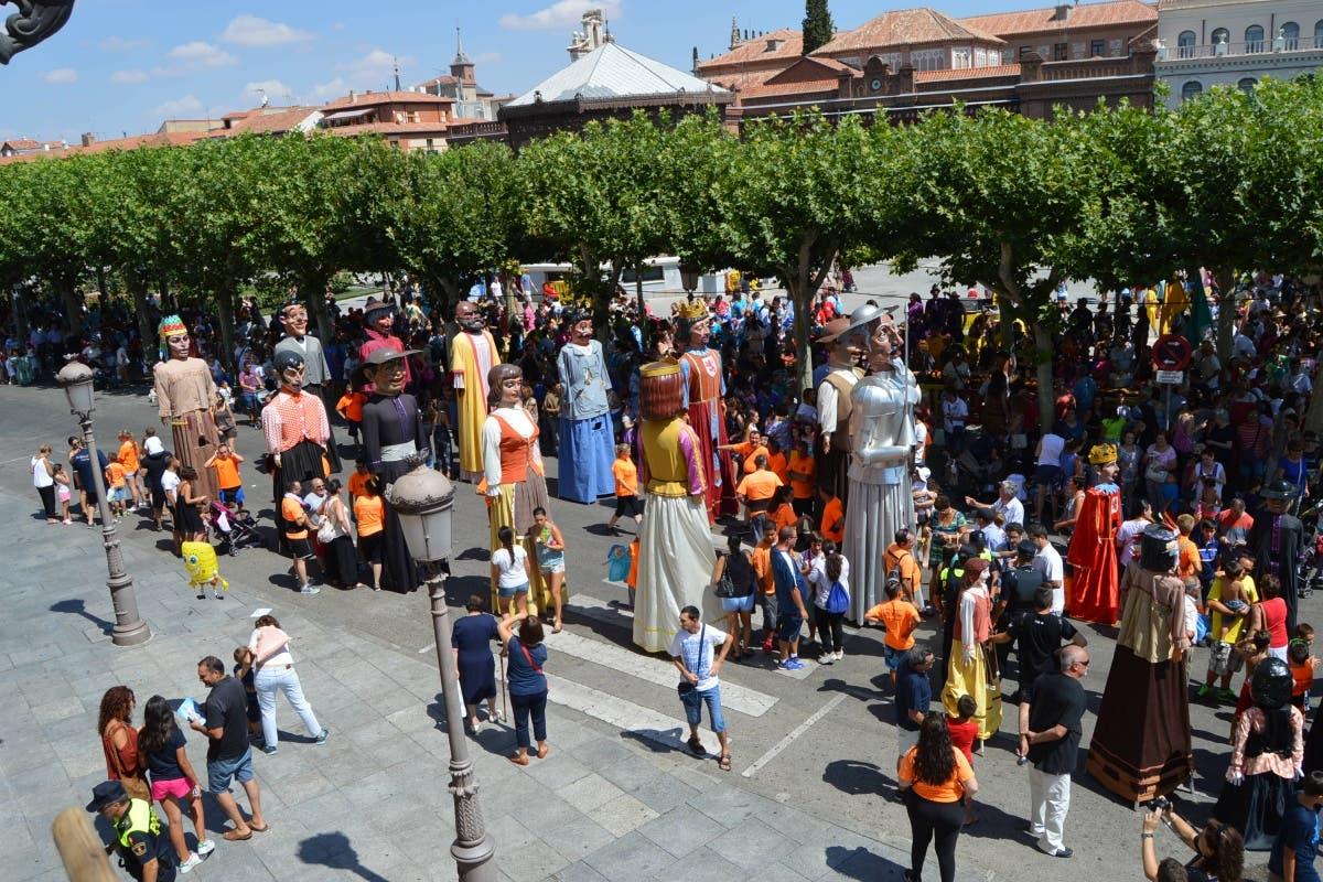 Exigen la dimisión de la concejala de Festejos de Alcalá por «las peores Ferias que se recuerdan»
