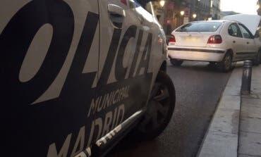 Agreden y atropellan a una taxista en Madrid para robarle