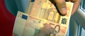 Estafa en Torrejón: Vendió un teléfono por internet y le pagaron con billetes falsos