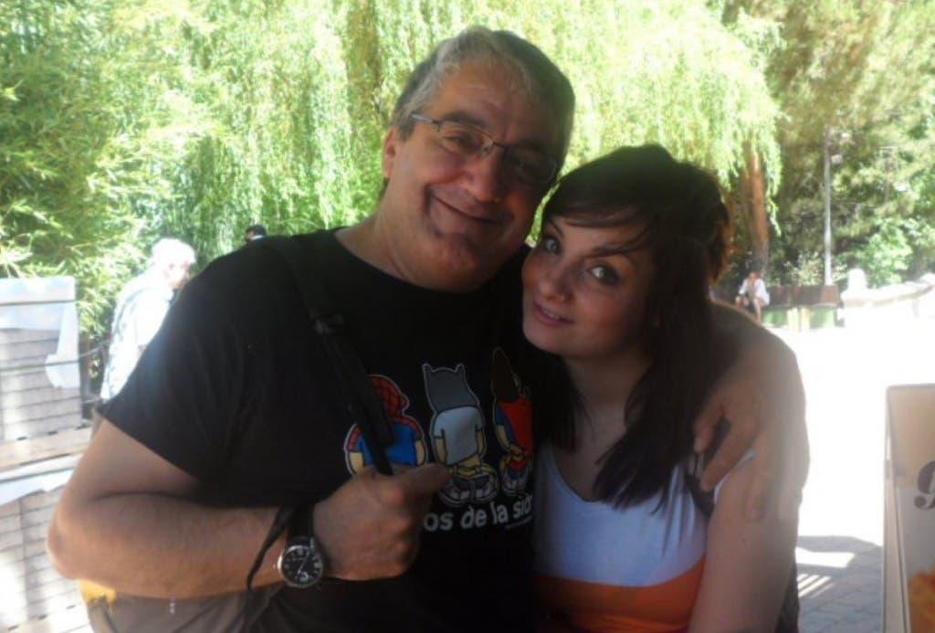Ángel María Esteban junto a su hija Katia, en una foto cedida a MiraCorredor.tv.