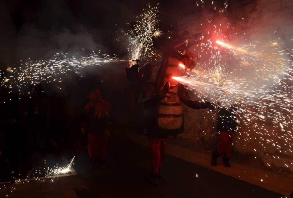 Dragón de la comparsa Mansuets de Foc que se podrá ver por las calles de Torrejón.