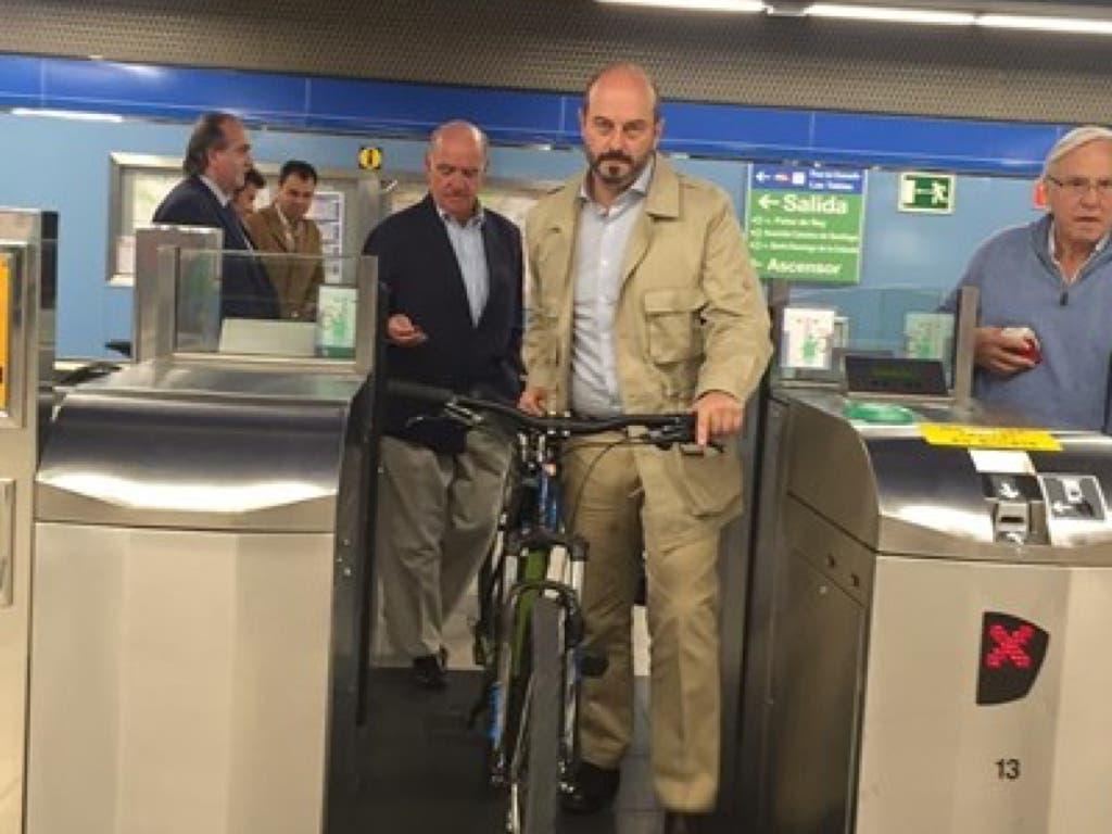 Desde hoy se puede subir la bici al Metro a cualquier hora