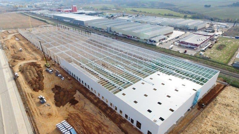 Una empresa de producción creará 500 empleos en Cabanillas