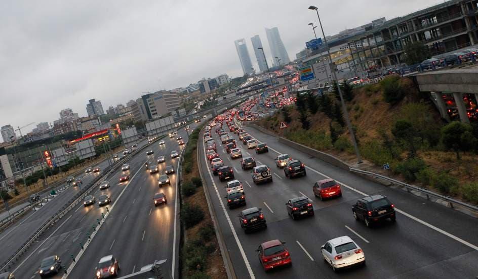 Madrid recomienda el transporte público para este lunes ante la previsión de lluvias