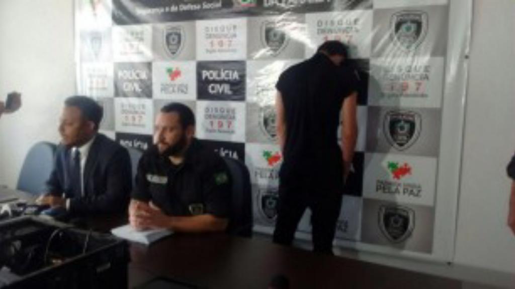 El detenido en Brasil ha sido presentado en rueda de prensa de espaldas