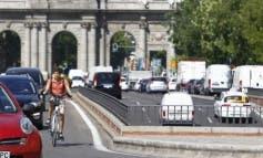 Madrid mantiene el lunes la prohibición de aparcar y la limitación de velocidad