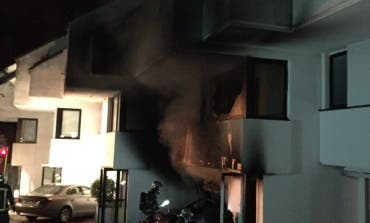Un incendio calcina un chalet adosado en Alcobendas