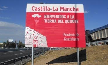 Nuevas señales con la imagen del Quijote en los accesos a Guadalajara