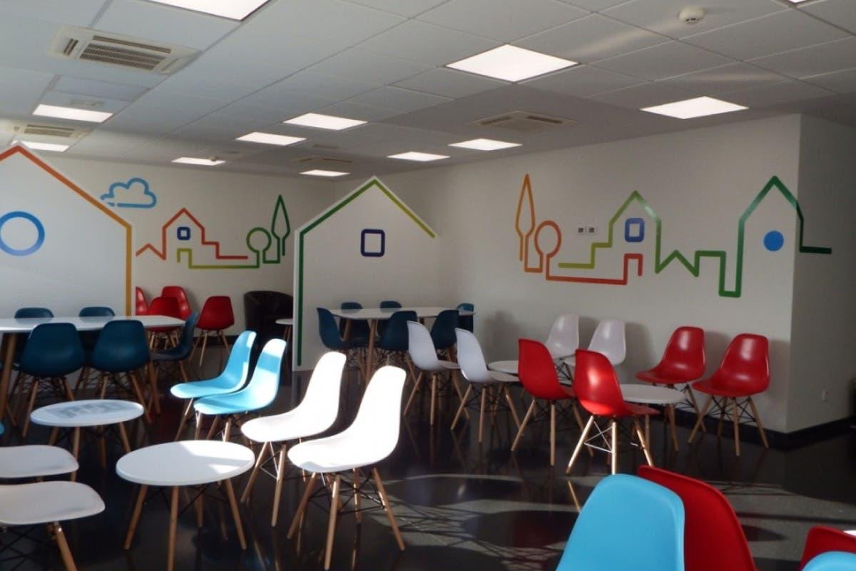 El Hospital de Torrejón crea la primera Sala de Estar de una UCI en España