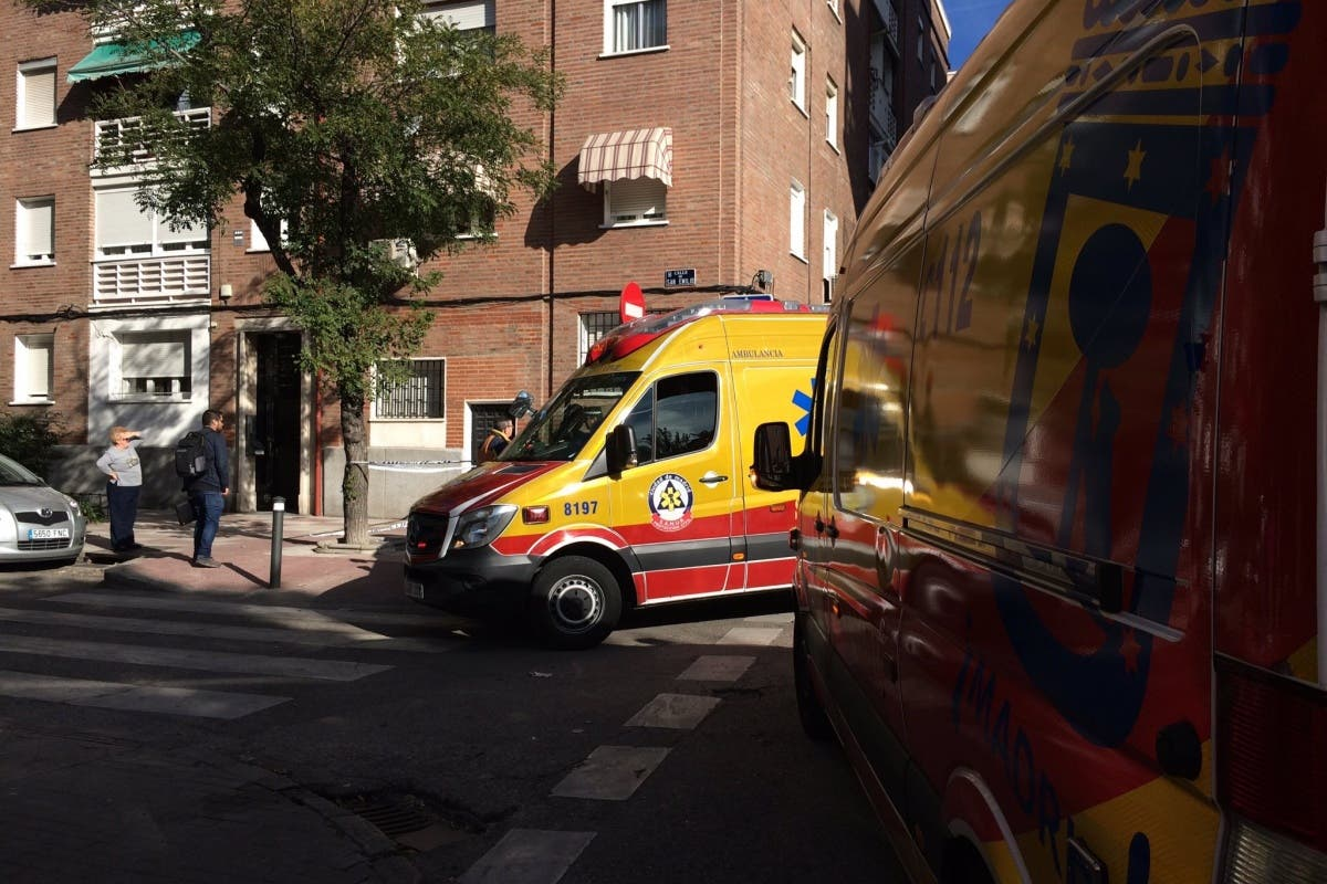 Madrid: Un coche parado circula sin control y atropella a dos mujeres