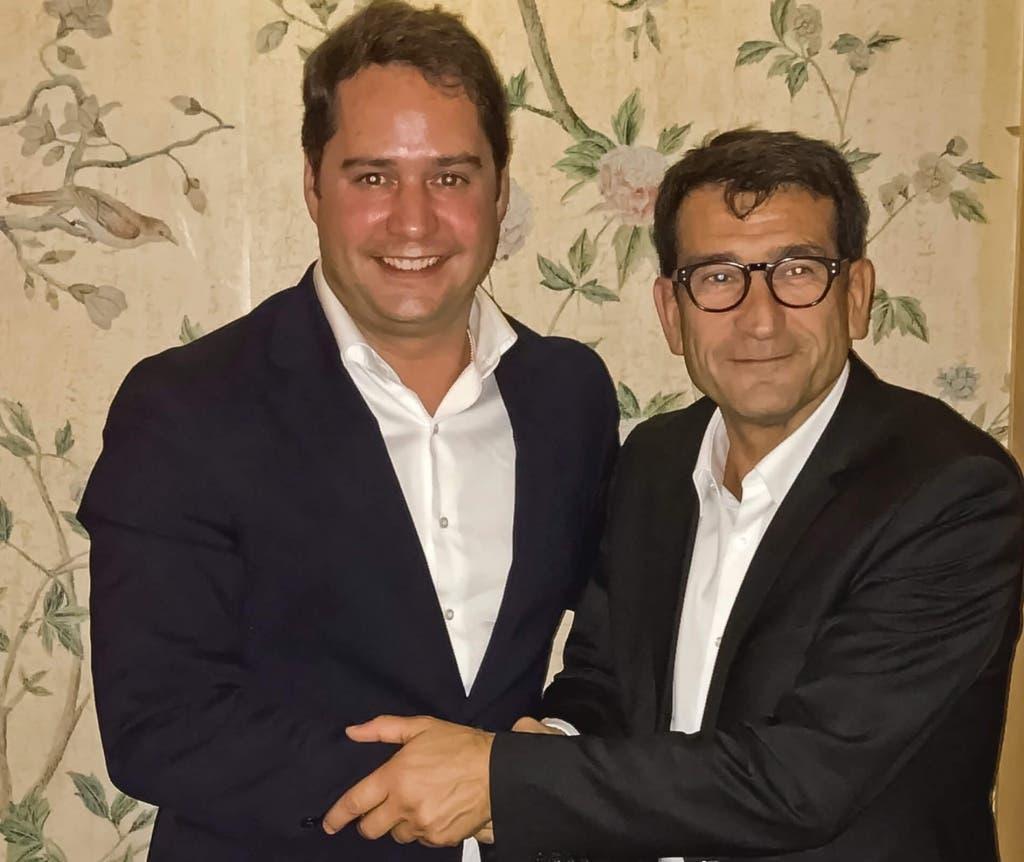 El acuerdo ha sido firmado por el alcalde y el responsable de la Compagnie de Phalsbourg en España, Raphaël Martín, ante el Secretario General del Ayuntamiento.