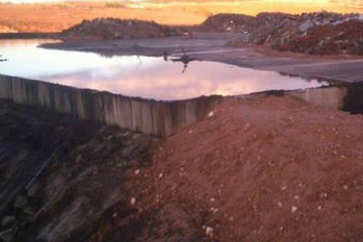 Las lluvias podrían romper el recinto que almacena residuos del incendio de Chiloeches