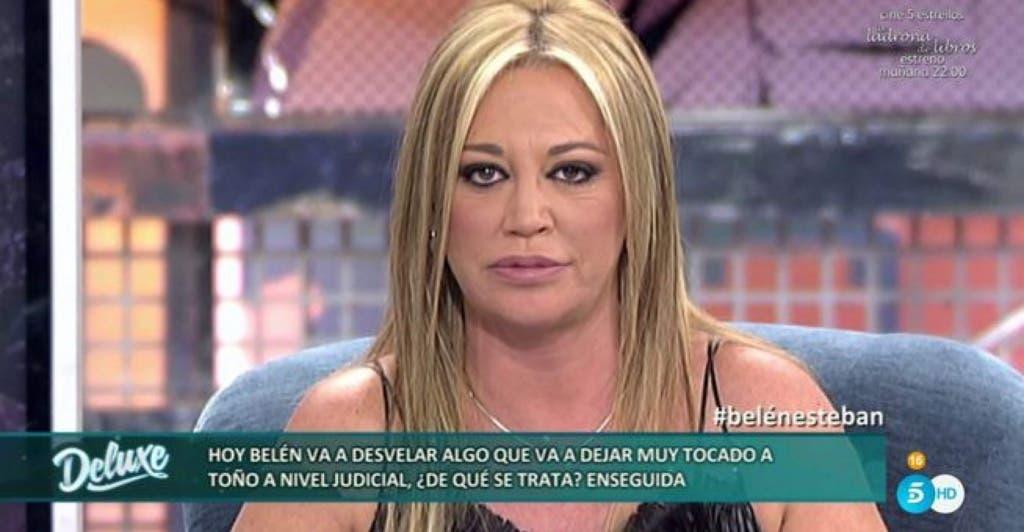 Belén Esteban en Sálvame Deluxe donde dio la noticia (Telecinco).