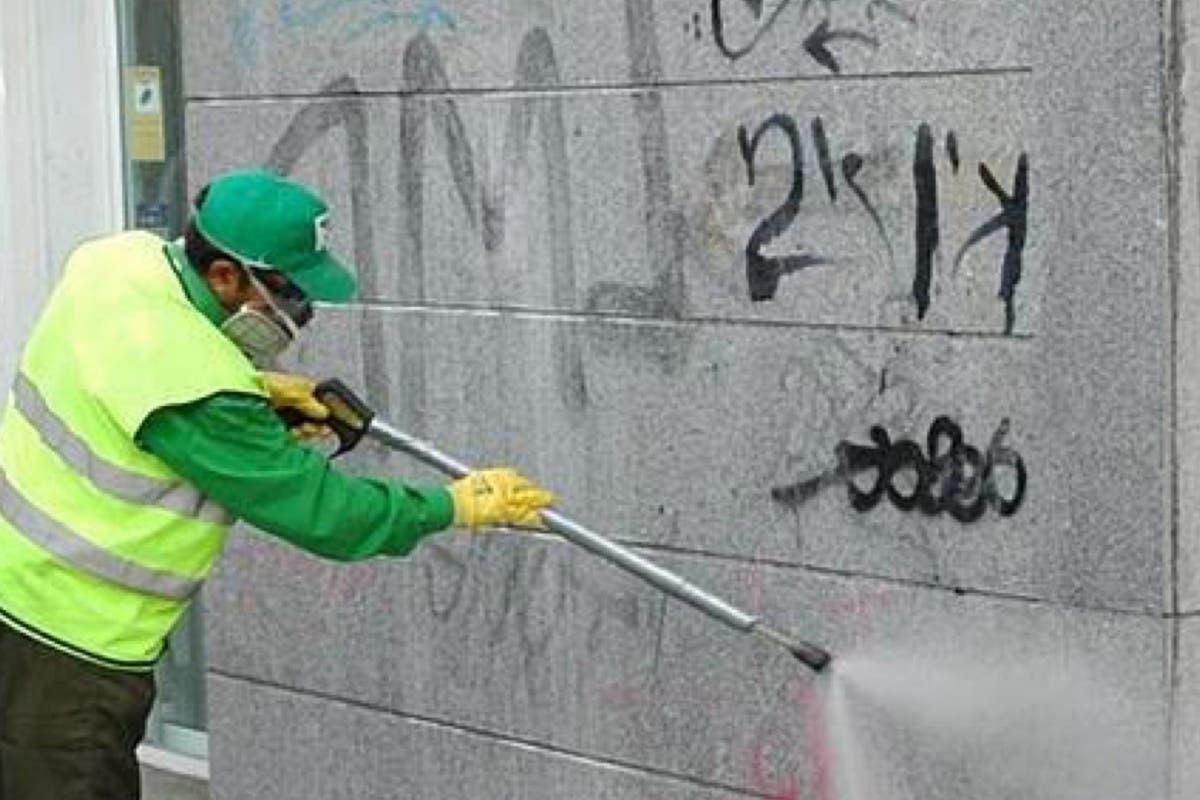 Denunciados dos hombres, de 51 y 36 años, por pintar grafitis en Guadalajara