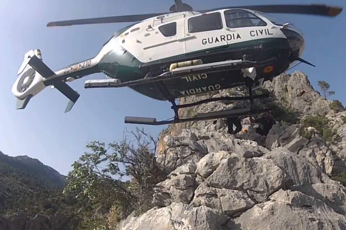 Rescatados dos senderistas de Alcalá y Torrejón extraviados en Cáceres